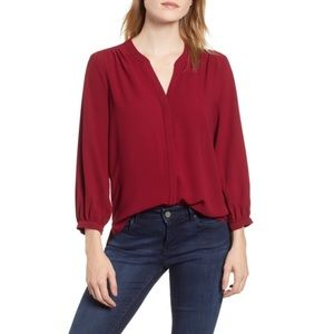 Gibson wine red back pleat blouse XS